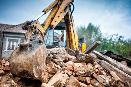építési törmelék elszállítás ár, építési hulladék elszállítás, vegyes hulladék konténer, vegyes hulladék konténer szállítás, bontási törmelék elszállítása, sitt szállítás ár, törmelék szállítás, építési bontási hulladék elszállítása, sittesek konténer